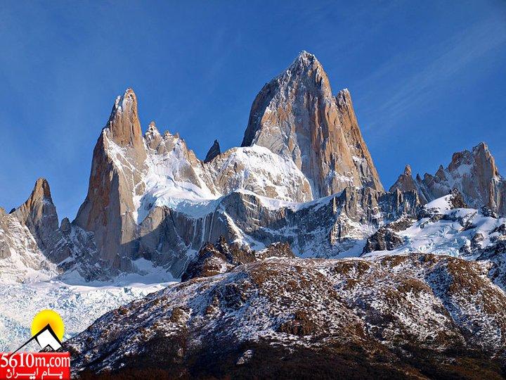 800px-Fitz_Roy_Chalten_Argentina_Todor_Bozhinov_2013