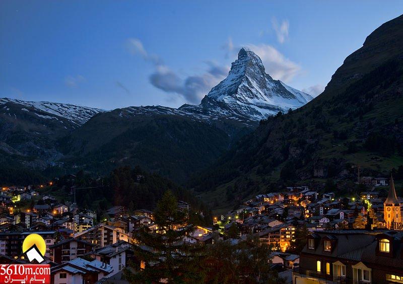 800px-1_zermatt_night_2012