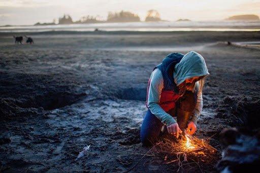 روشن کردن آتش در طبیعت